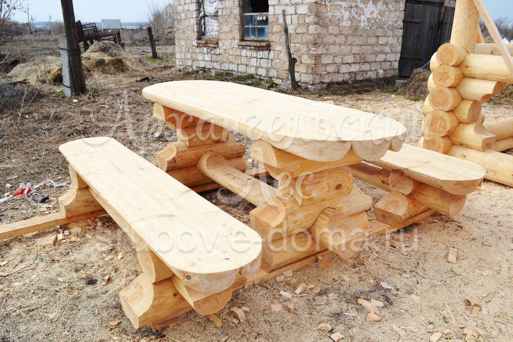 Столы и стулья из бревна